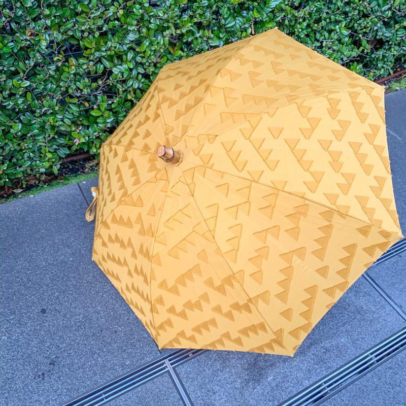RESTFOLK レストフォーク 晴雨兼用傘 ジャガードブラケットラインは国産の上質なジャガード生地でかわいい幾何学模様が特徴