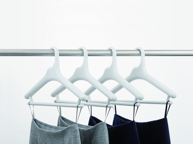 like-it 滑り止めがついた衣類ハンガー スカートを吊るす