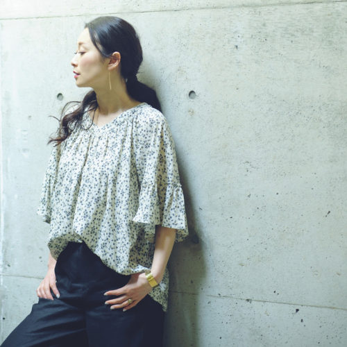 Cloth&Cross/小花柄プルオーバーブラウス/¥19,000+税