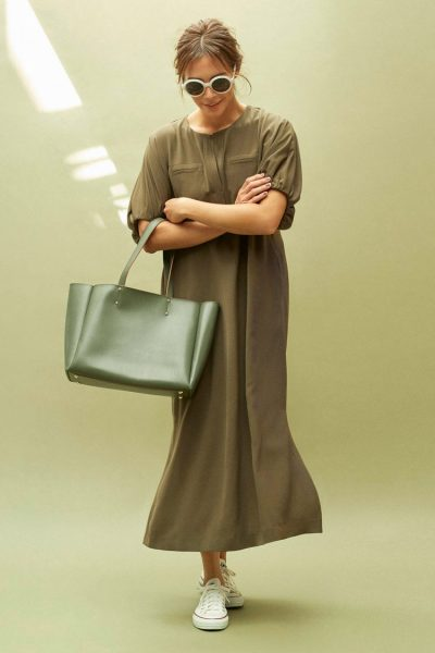 LAUTREAMONT/【大草直子さん コラボレーション第五弾】quick to go!FLEX DRESS【カーキ】/¥24,000+税