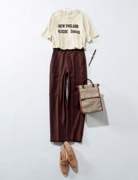 シンプルで美シルエットなTシャツは、パンツとの相性抜群!