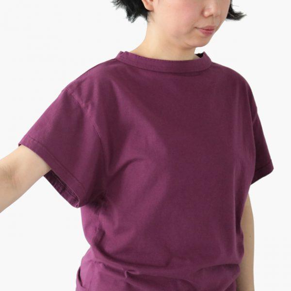 HAUスリーブトップスデイリーは袖口が広いので生地が肌にまとわりつかない