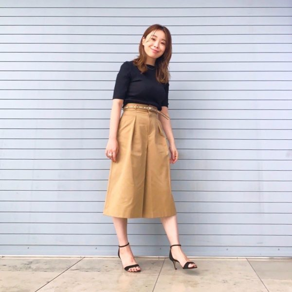 【beautiful people selvedge logo chino culotte skirt】着用