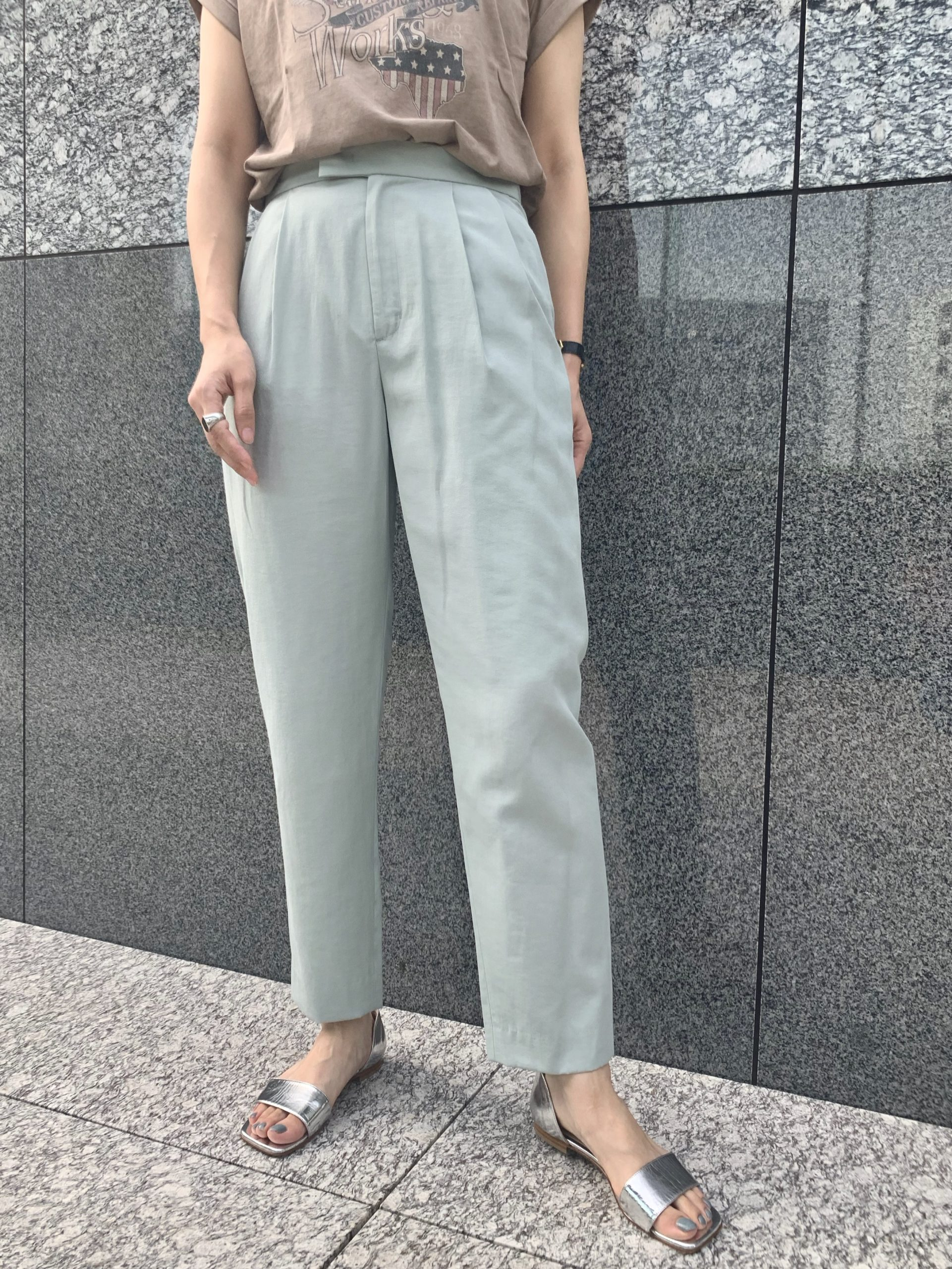 MICA & DEAL tuck tapered パンツ ¥16,000+税