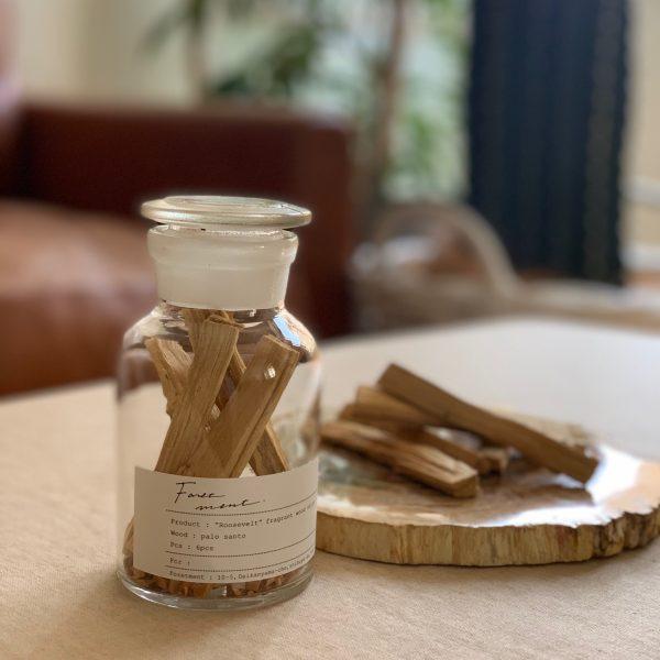 幸運を呼ぶ「聖なる木」。ウッディーで甘い香りの香木、Foretmentの「PALO SANTO(パロサント)」【2020年バイヤーの「これ買い!」アイテム】