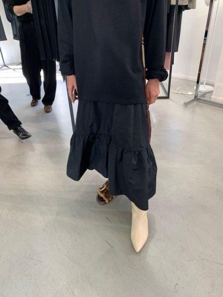 ポインテッドトゥロングブーツ ¥75,000+税