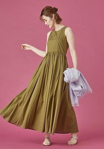 【ギャザーたっぷりワンピースコーデ】MARIHA/夏のレディのドレス/¥26,000+税