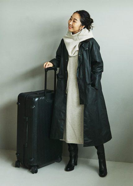 Style06:ワンピースにカグールはシックで大人な旅スタイルに便利です!