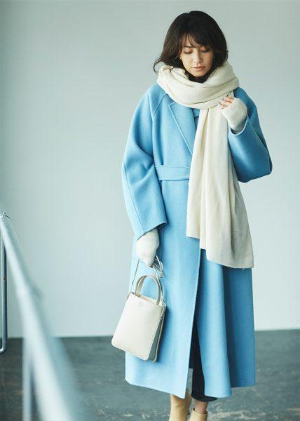 Style01:バニラホワイト×旬ブルーでクールな冬のカラーコーデが完成