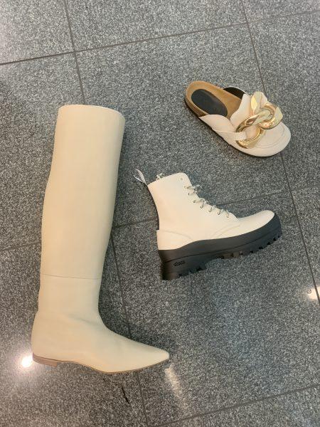 JW ANDERSON CHAIN SANDAL ¥79,000 + 税  STELLA McCARTNEY Trace Boots ¥82,000 + 税  ELIN ポインテッドトゥロングブーツ ¥75,000 + 税