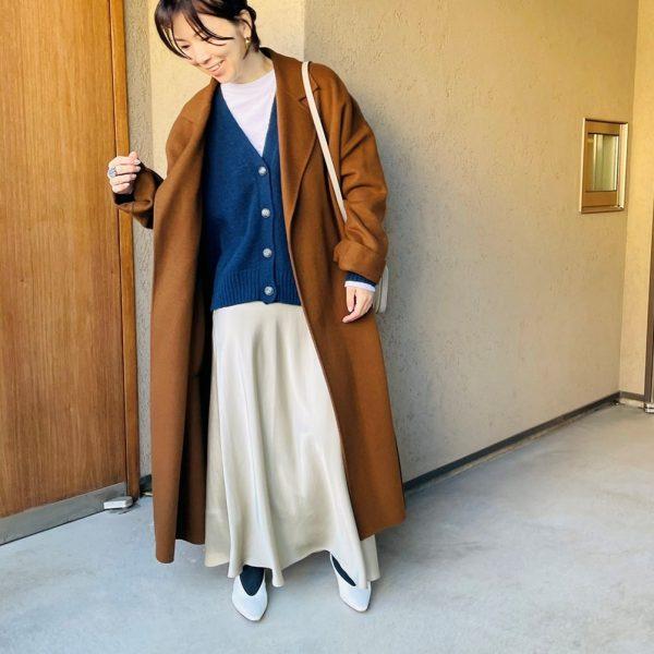 M7days 【編集部と考えました!】ざっくりVネックカーディガン ¥15,000+税 全身②