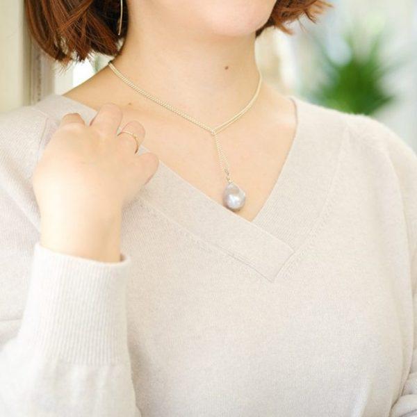 in2 design TINA バロックトップロングネックレス ¥23,000+税