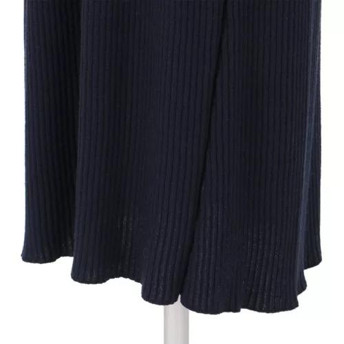 M7days 【編集部と考えました!】ワイドリブフレアワンピース ¥18,000+税 スカート部分のフレアシルエット