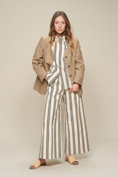 AKIRANAKAAnnemarie jacket¥74,800(税込)