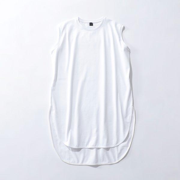 ATON【別注】エコBAG付ラウンドヘムノースリーブTホワイト ¥14,300(税込み)