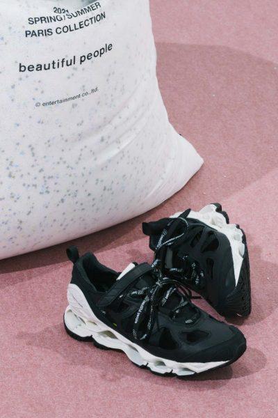beautiful people × MIZUNObp×Mizuno sneaker¥37,400
