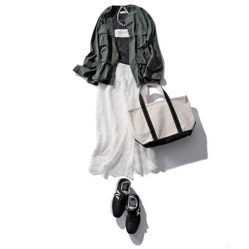 ROTHCOアーミージャケット CREWリメイク / フーディー(UNISEX)¥14,080 フェミニンスカートコーデ