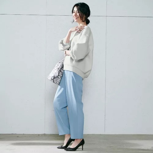 M7days【編集部と考えました!】きれいめスウェット¥10,450(税込)モデル