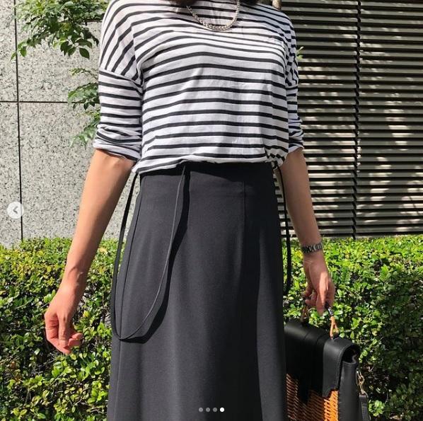 LEEマルシェおススメ!縦長のフレアラインが体型カバー♡ 優れもののラップスカート「身長165cmが着る2021年春コーデ」