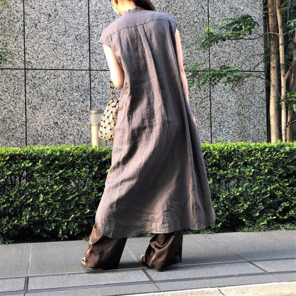 〈LEEマルシェInstagramご紹介アイテム〉今年も登場!憧れブランドsaquiのリネンピンタックドレス