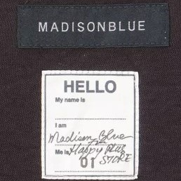 MADISONBLUE HELLO CREW NECK TEE オリジナルネームタグ