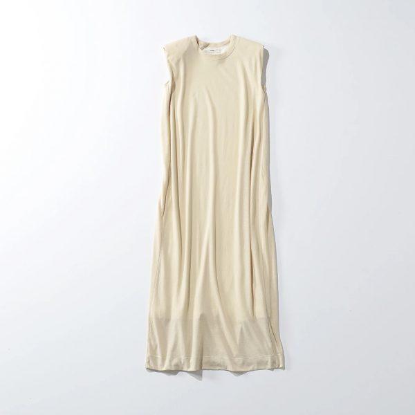 unfilrecyle cotton jersey padded shoulder dress¥24,200 ¥9,680(税込)(60%OFF)