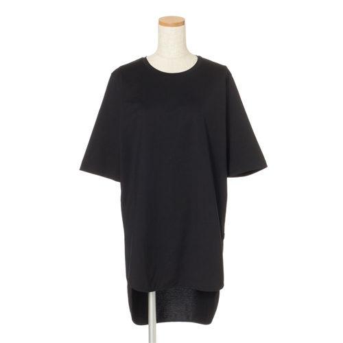 ATON ラウンドヘムTシャツ ¥15,400(税込)