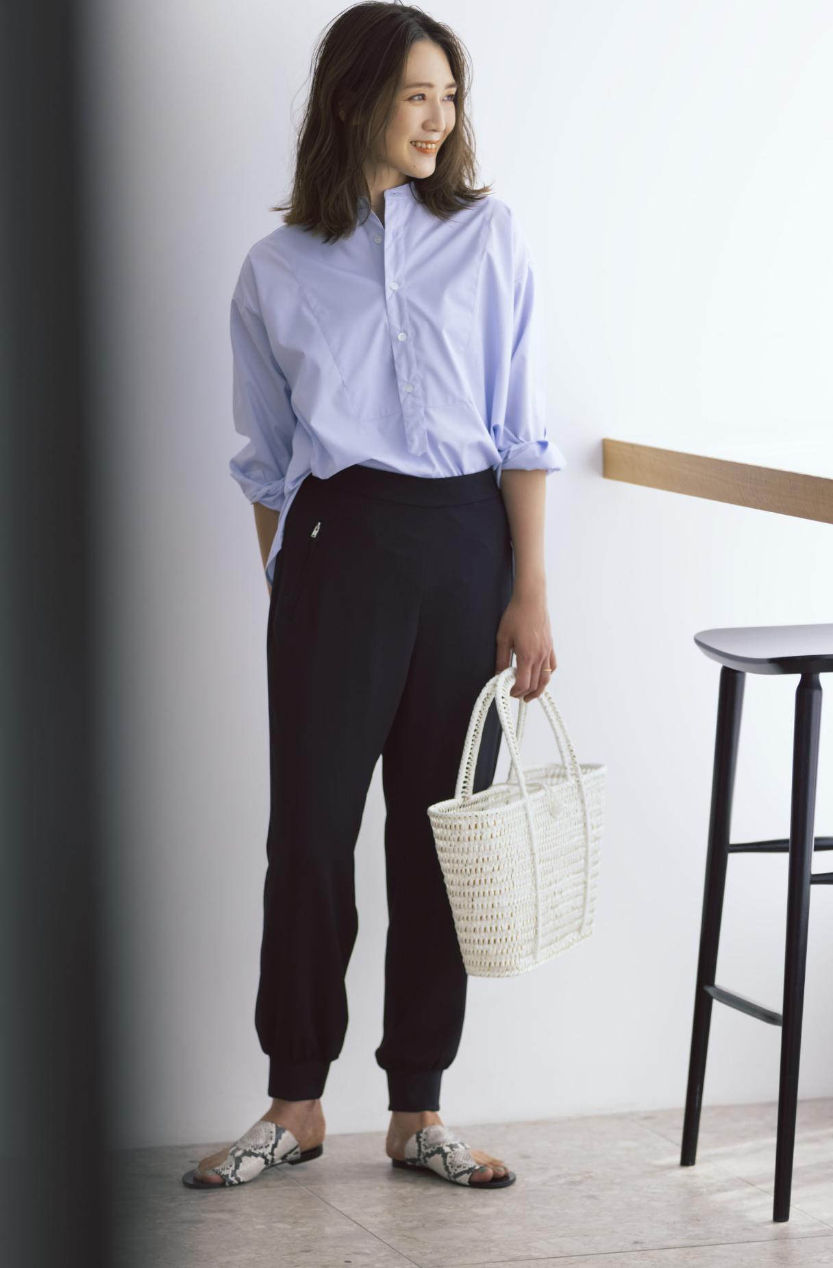 12closet 【洗える】裾リブとろみパンツ ¥13200  大橋さん正面