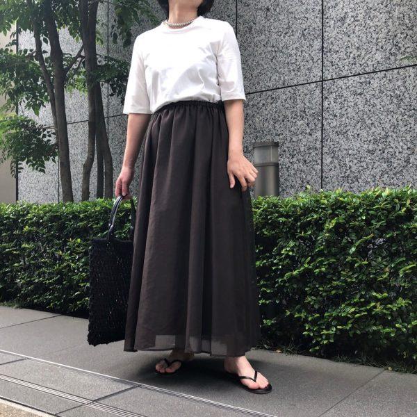 E by eclat大人シアースカートブラウン着用¥19,800