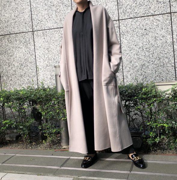 「STUMBLY」ショールカラーコートをバイヤーが着比べました エクラ2021年特集