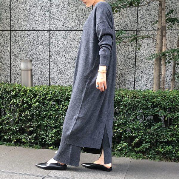 SACRA 「Vネックニットワンピース」をバイヤーTが着てみました/エクラ2021年特集