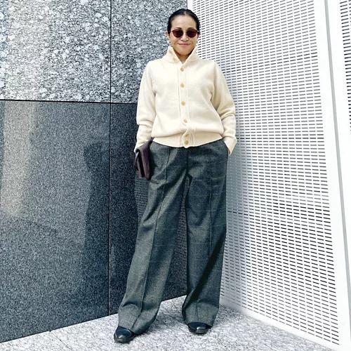 宮崎桃代×SLOANE スタンドカラーカーディガン ¥35,200(ご本人着用)