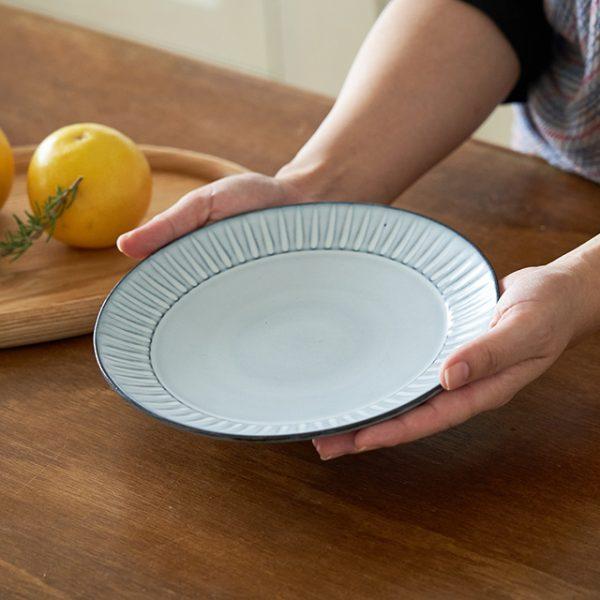 霧鎬(SAIKAI EDITION)6号皿のおすすめポイント / 釉薬の濃淡が美しい。