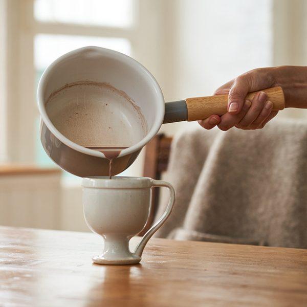 コットンシリーズ 14cmミルクパンのおすすめポイント / 左右に注ぎ口があります。
